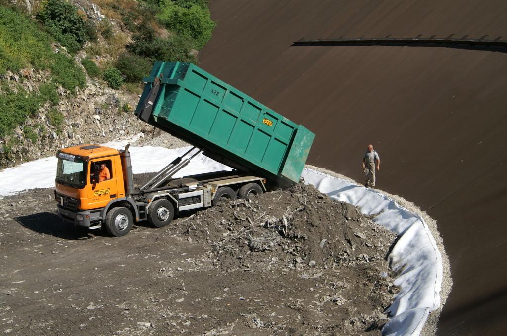 30 set. 2009 - I trasporti sono effettuati senza nessun controllo né da parte del Comune, né del Cantone
