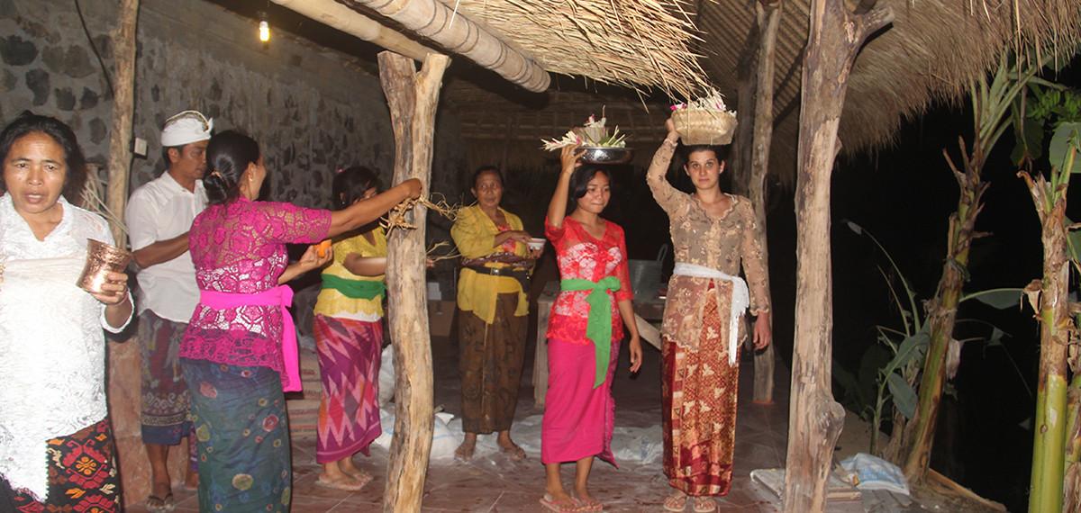 cérémonie de purification à la Maison du Bonheur
