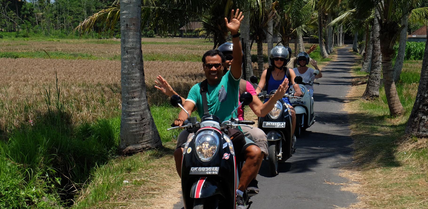 départ en scooter pour Ubud