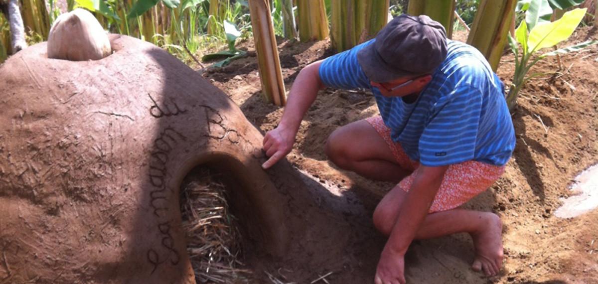 four traditionnel en terre cuite - Bersila, chambre d'hôtes à Bali