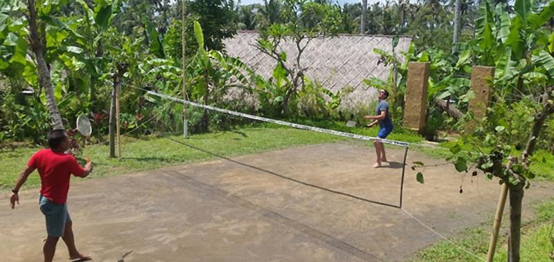 jouer au badminton