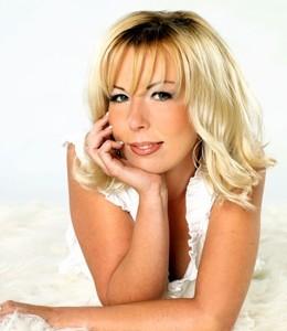 Dana Franzis präsentiert die Hits von Helene Fischer