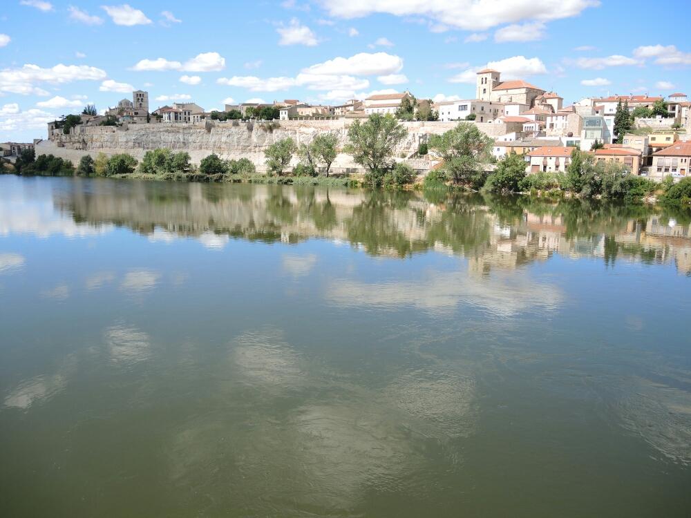 Zamora ist schön, alt, romanisch