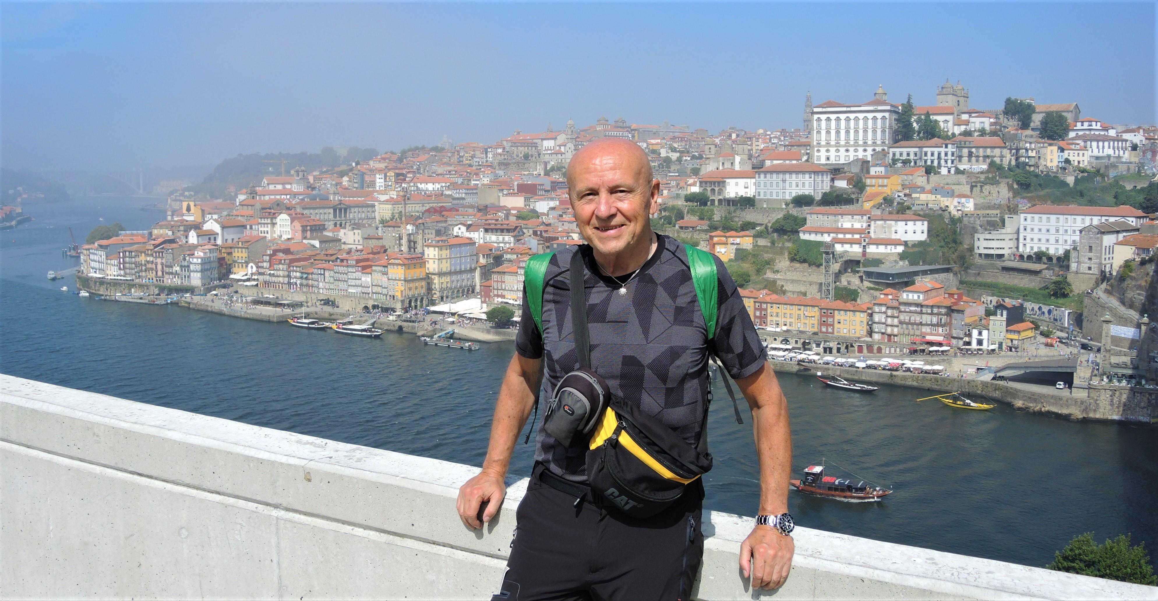 Um nach Salamanca zu kommen fliege ich erst von Memmingen nach Porto. Dort verbringe ich ein Tag bei maritimen Wetter.