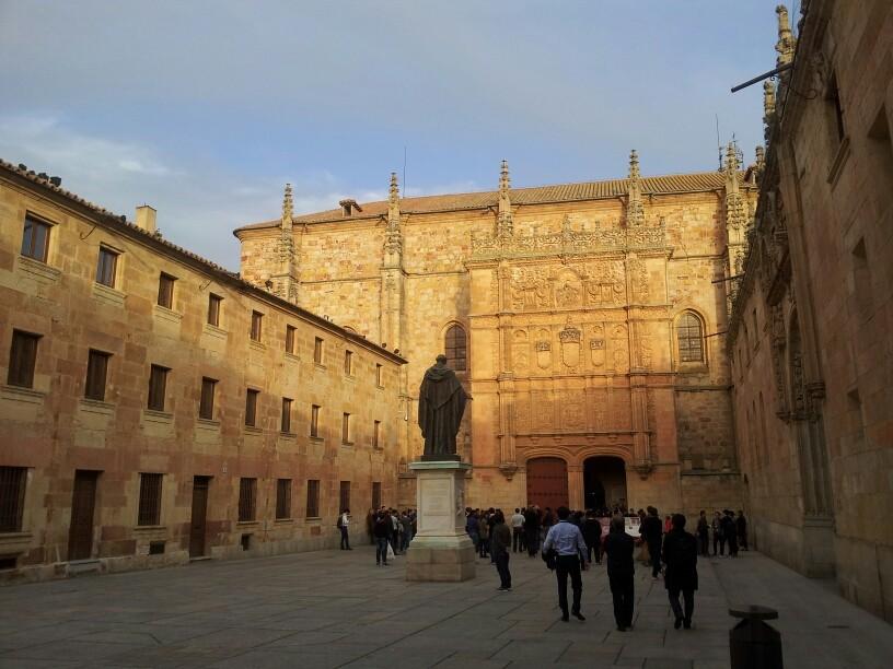 Universidad de Salamanca zählt zu den 3 ältesten in Europa. Bologna, Paris, Salamanca.