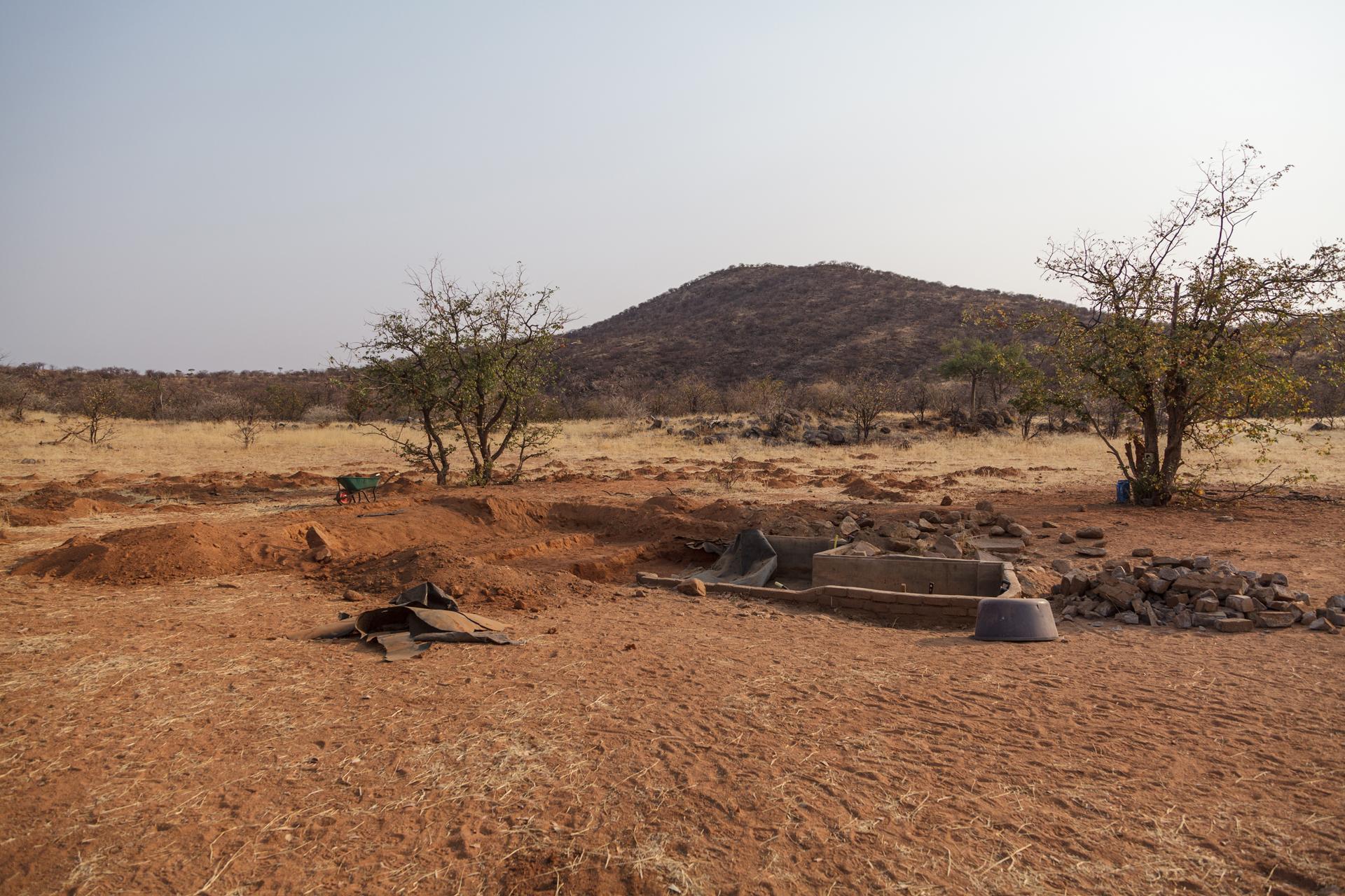 Sanierung der Wildtier-Wasserstelle im Kunenegebiet in Namibia 2017, © Foto: Eva Bauer