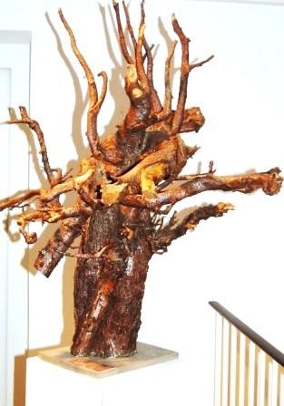 Was vom Baume blieb... Ein Torso der natürlichen Art für die Jahresausstellung 2013. Foto: Monika Meyer