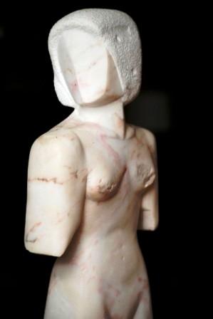 Torso, Marmor, 2002, 50 cm hoch.
