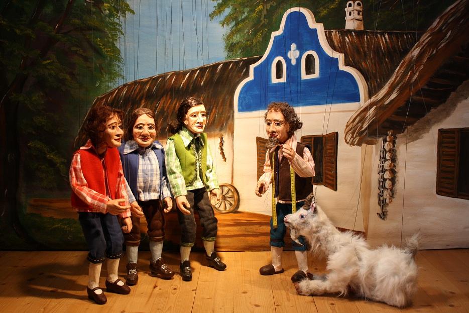 Der Schneidervater wirft seine drei Söhne wegen der Ziege aus dem Haus.