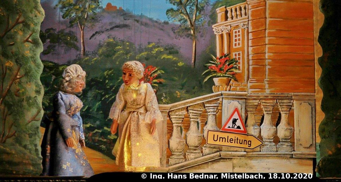 Fee Berchtholda und Aschenputtel beim 3. Ball. (C) Ing. Hans Bednar, Mistelbach, 18.10.2020