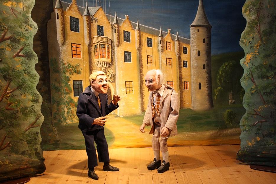 Mr Otis kauft das Schloss von Lord Canterville.
