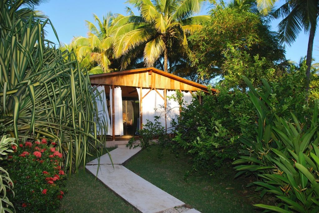 Access from the beach to casita Mapache