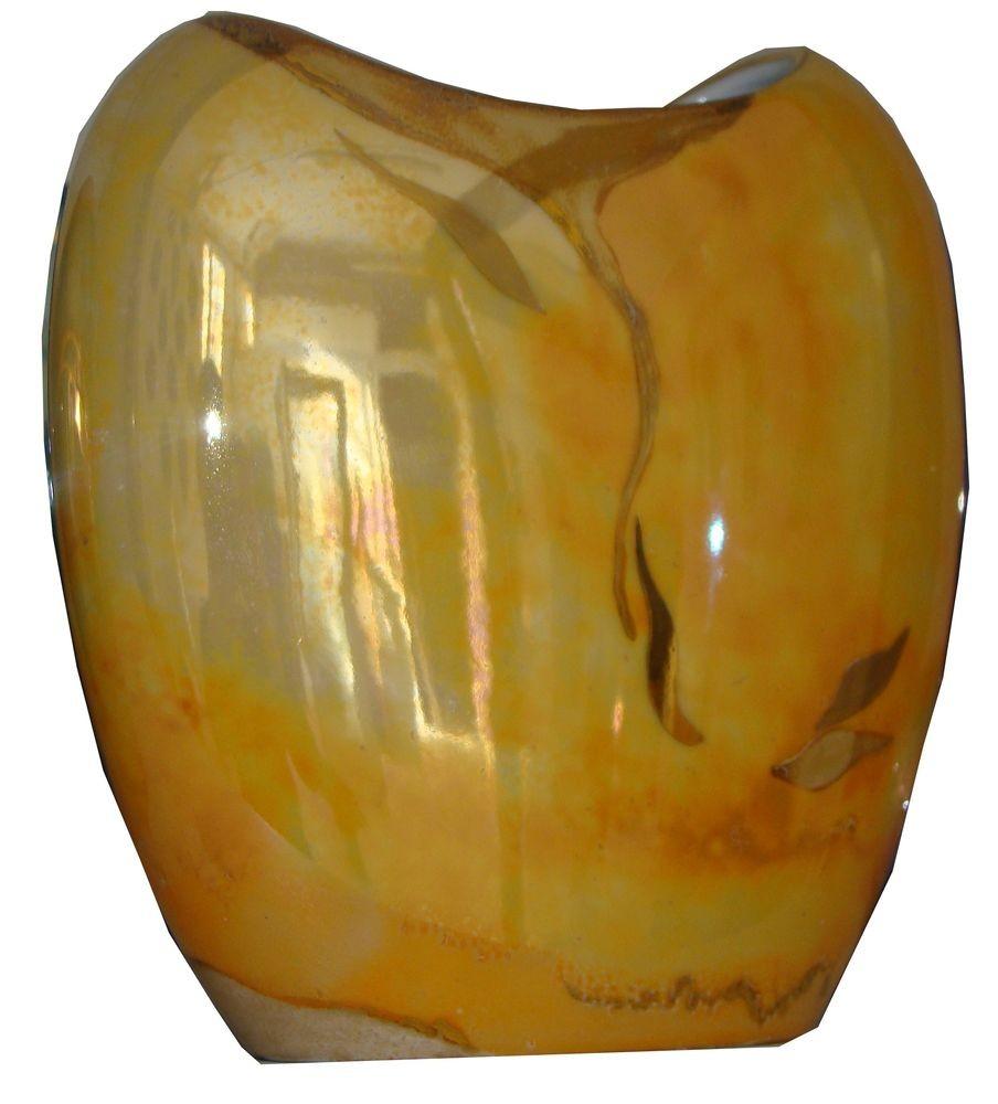 Vase doré, feuilles or