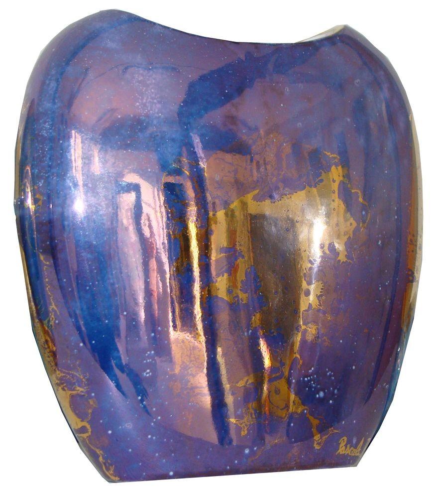Vase bleu foncé, or brillant