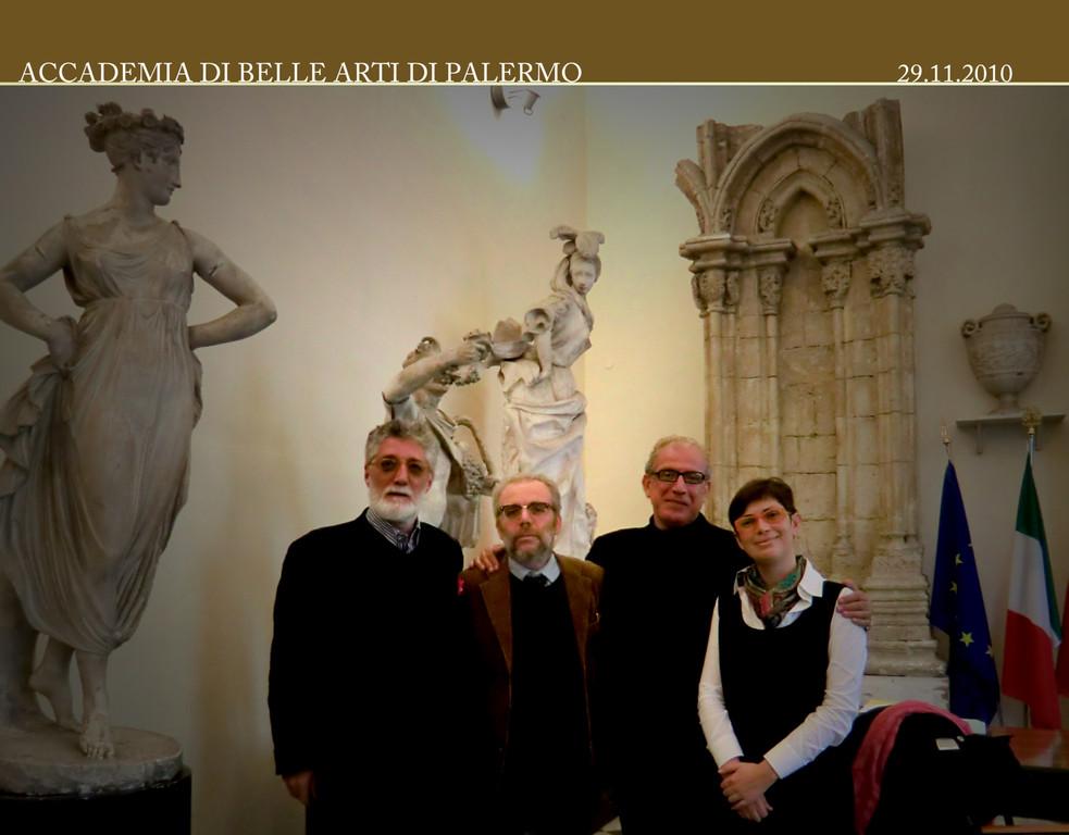 Prof. Sergio Pausig,Prof. Umberto De Paola,Prof. Francesco Gallo con la Dott.ssa Raffaella Sgubin 29 .12. 2010