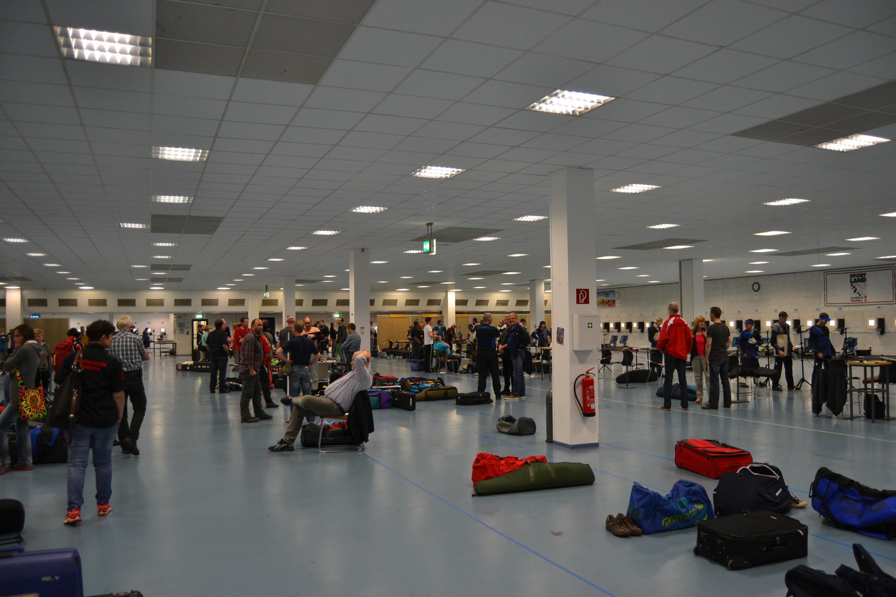 Die Schießhalle im LLZ Dortmund war gut gefüllt.