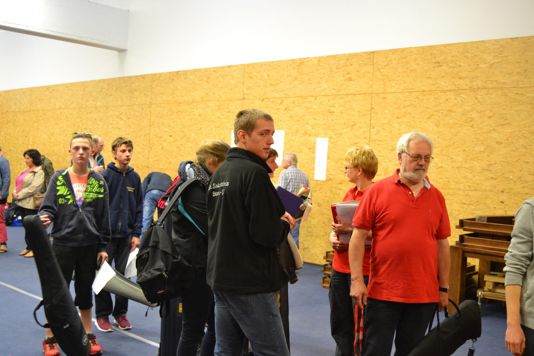 Auch unsere Nachbarn aus Bonn-Süd waren da, als die Jugendklassen ihre Landesmeister mit dem Luftgewehr ermittelten.