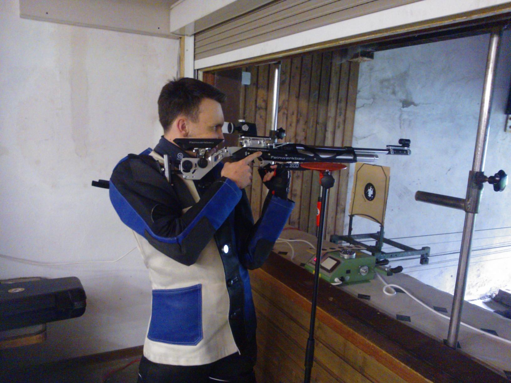 Bezirksliga-Schützen nehmen im Freihand-Anschlag teil
