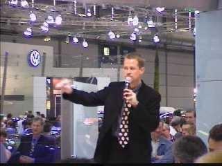 Ike Fast moderiert auf der AMI Leipzig