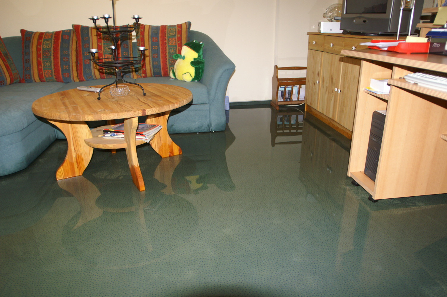 Wassereinbrüche wegen defekter Aufstetzfuge