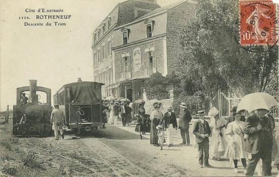 Arrivée d'un train à Rothéneuf Centre, et remise en tête de la locomotive.