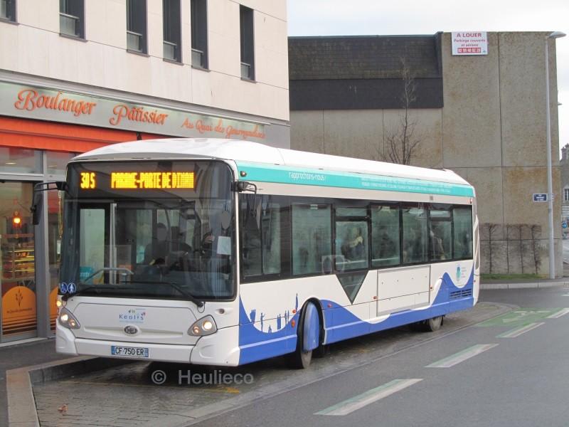 72 sur le 30S à la Gare Routière