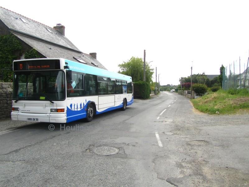 46, sur le terminus de Rotheneuf déplacé, derrière l'Ecole Saint-Michel