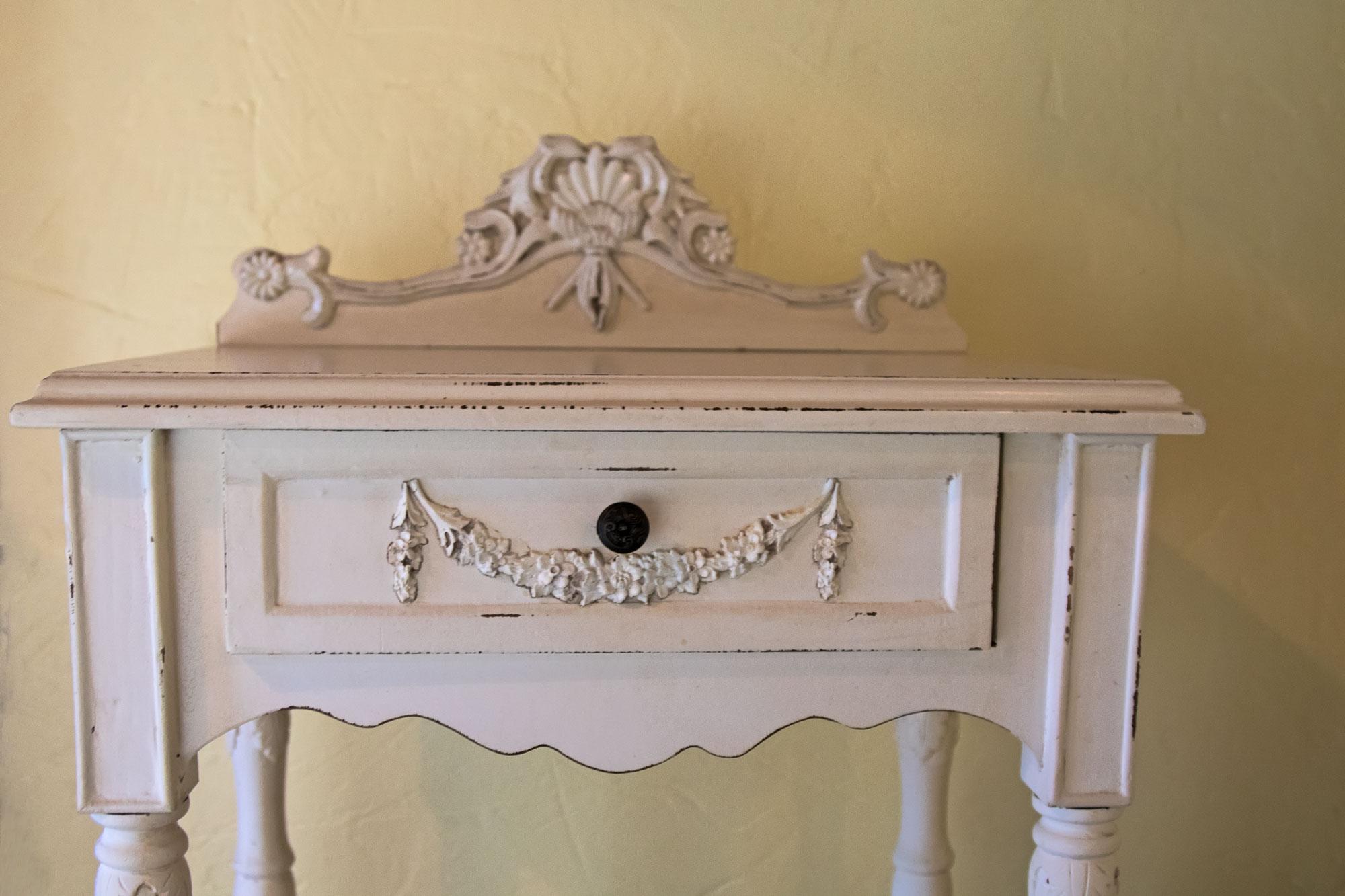 Alle Schlafzimmer sind zusätzlich mit Vintage-Kleinmöbeln ausgestattet