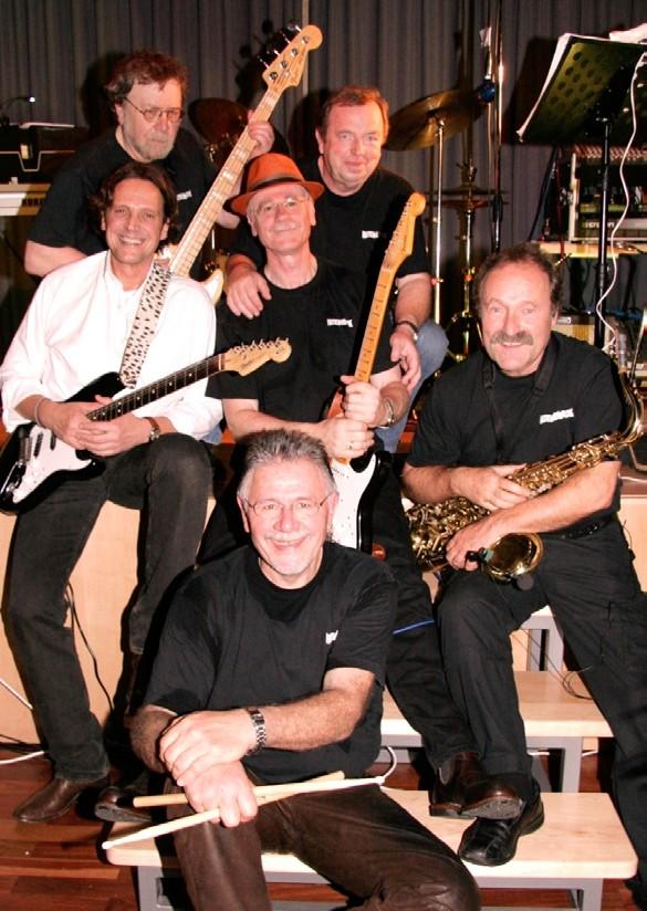 Faltenrock 2013 mit Peter Kenke b, Helmut Schmidt kb, Naum Schmidt g, Klaus Rissmann voc, g, harp, Paul Pfeffer ts, g, voc, perc, Bodo Mensing dr