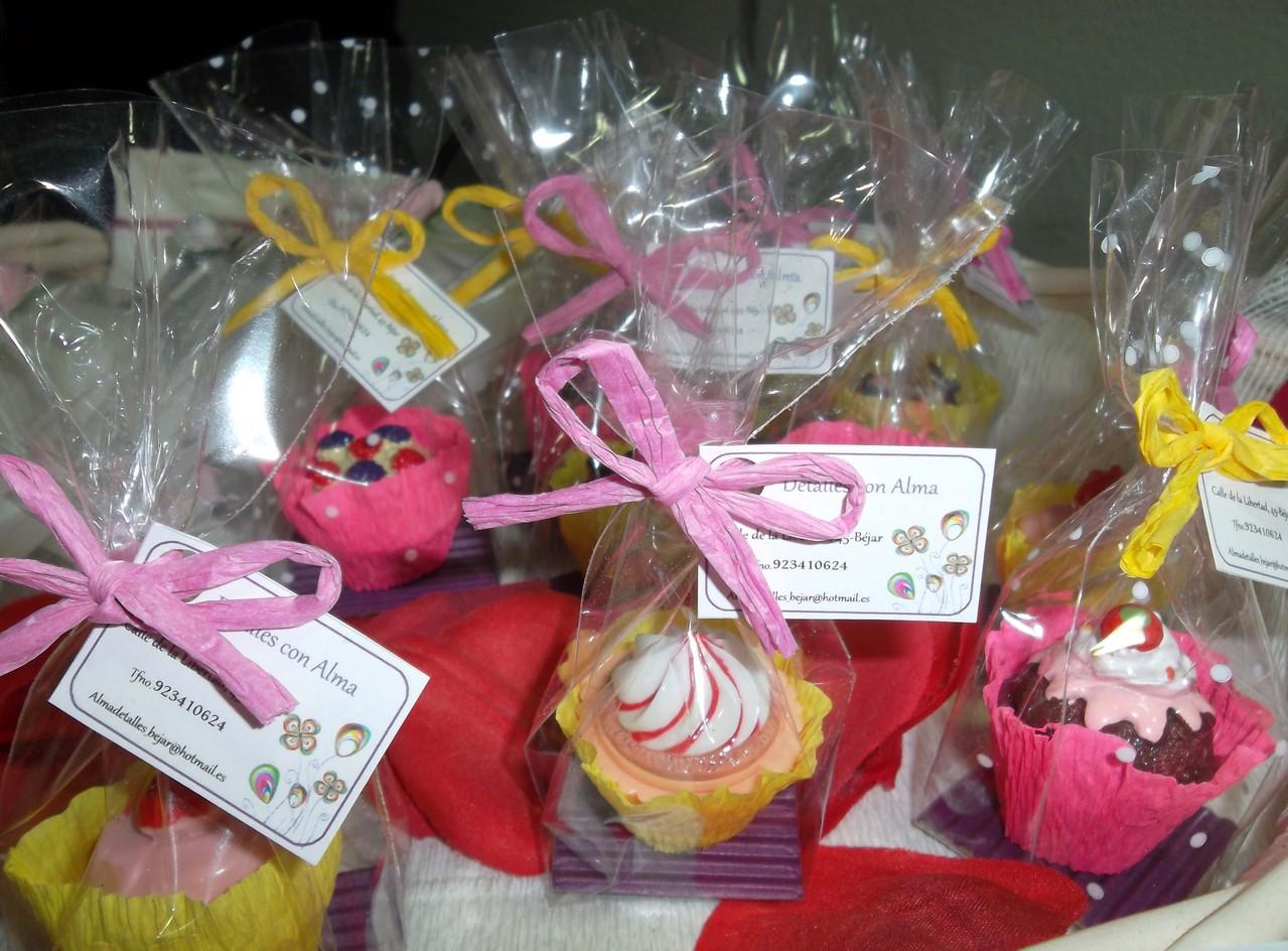 Dulces cupcakes-brillos de labios.