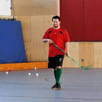 Auch die Nachwuchsspieler werden bei Floorball Mainz früh an den Erwachsenenspielbetrieb ran gezogen