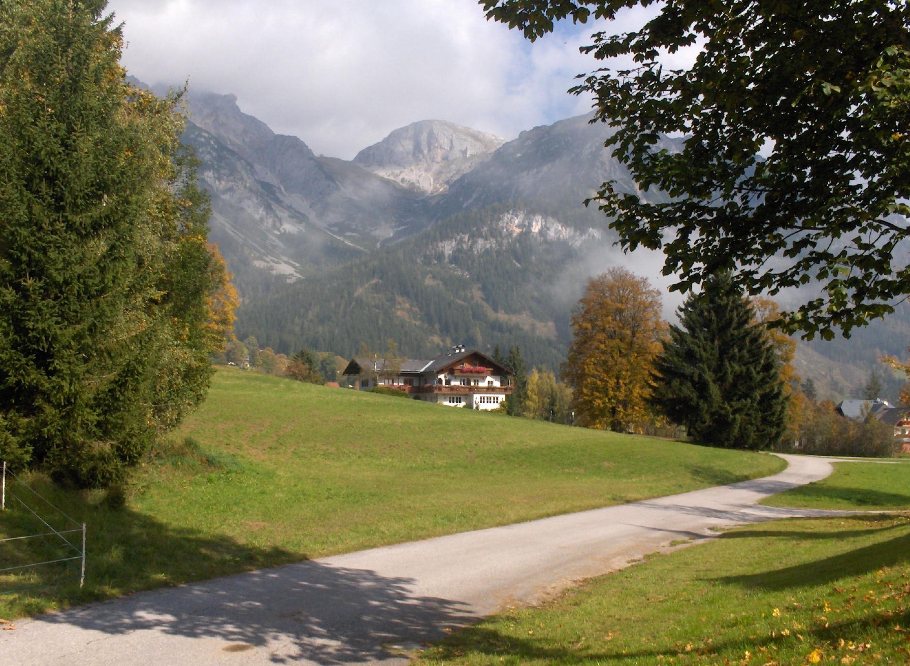 Haus Heidi im Herbst