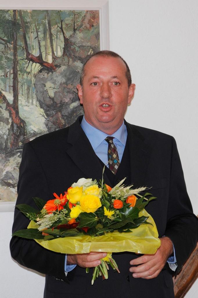 """Heinrich """"Heinz"""" Bley (CDU) wird am 06.10.2013 nach einer Stichwahl gegen seinen Konkurrenten Roland Saar (SPD) Bürgermeister. Er gewinnt mit nur 15 Stimmen. Foto: Ronald Gehrhardt"""