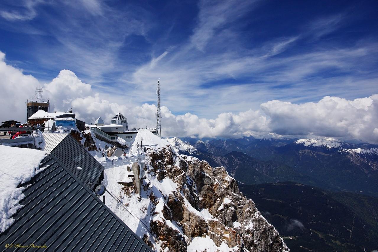 Zugspitze mit Münchener Haus - Blick Richtung Eibsee