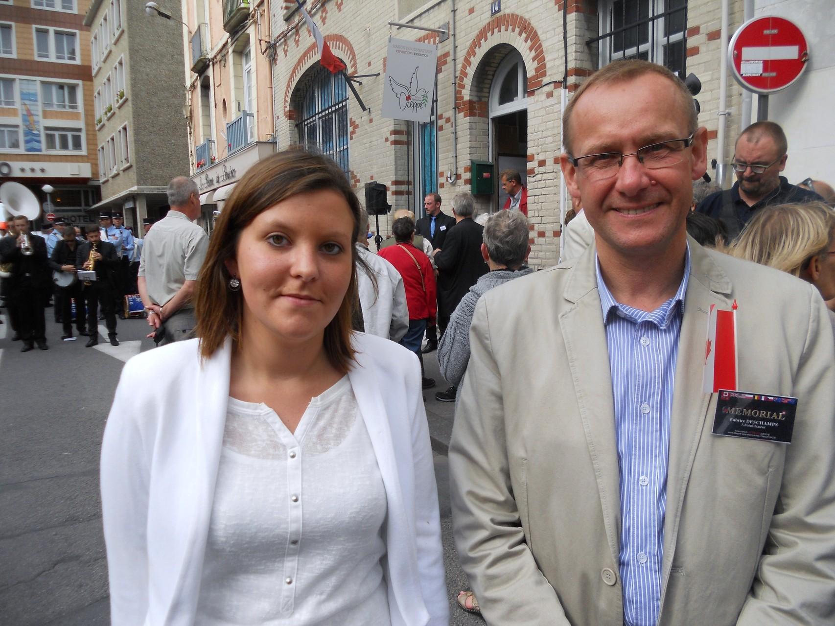 Fabrice, avec Elodie ANGER, chargée du devoir de mémoire dans l'équipe Municipale de Dieppe