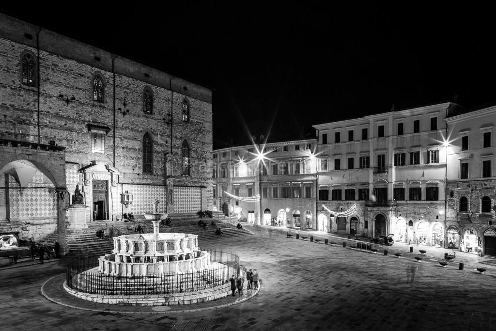 Fontana Maggiore - Piazza IV Novembre - Perugia bw