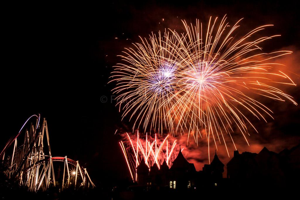 Rainbowmagicland: lo spettacolo di fuochi d'artificio di Caput Lucis