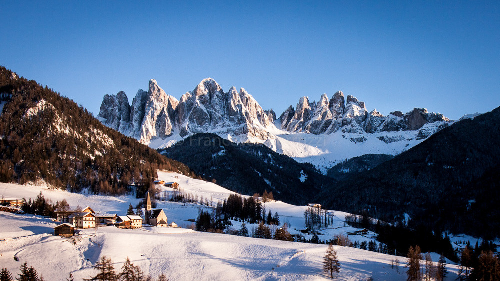 Val di Funes al tramonto [Funes Valley at sunset]