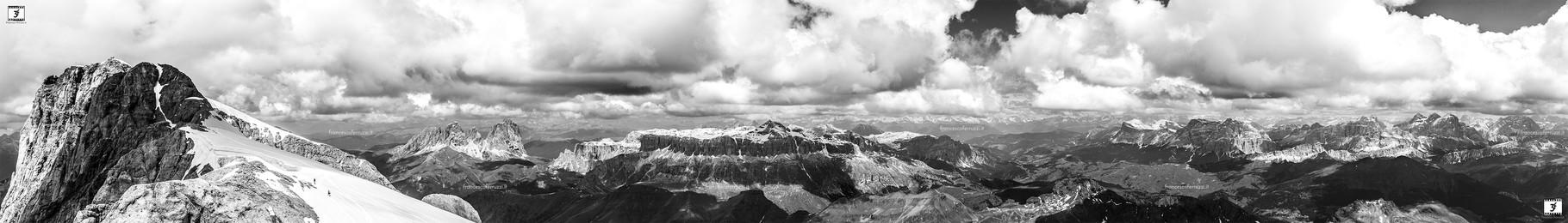 Trentino Alto Adige / Veneto - dalla cima del ghiacciaio della Marmolada