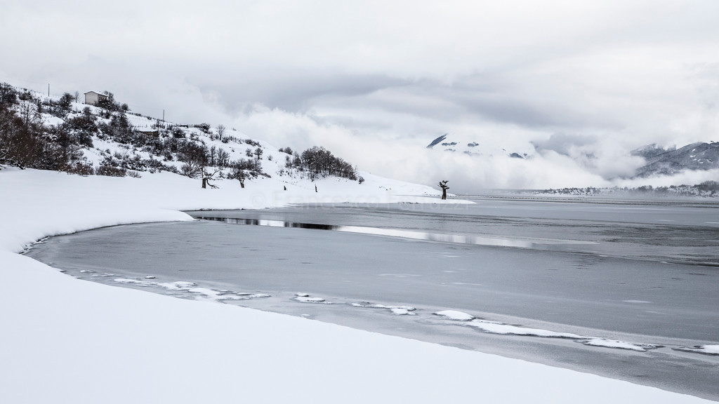 Inverno al lago di Campotosto