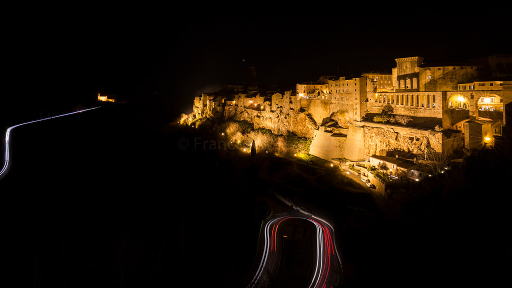 Il borgo di Pitigliano, nella provincia di Grosseto, in Toscana