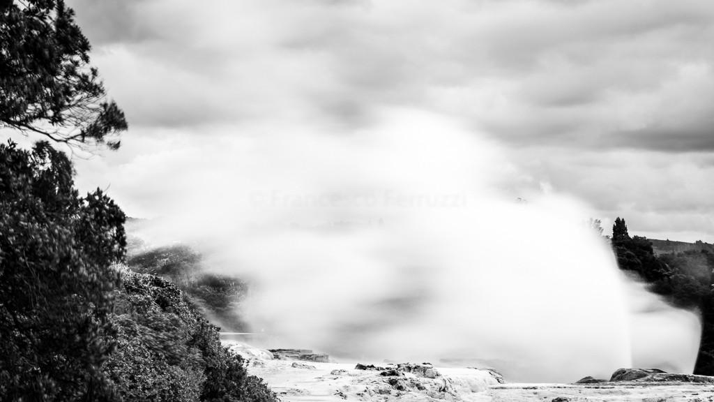 A Rotorua (New Zealand) il Pohutu geyser