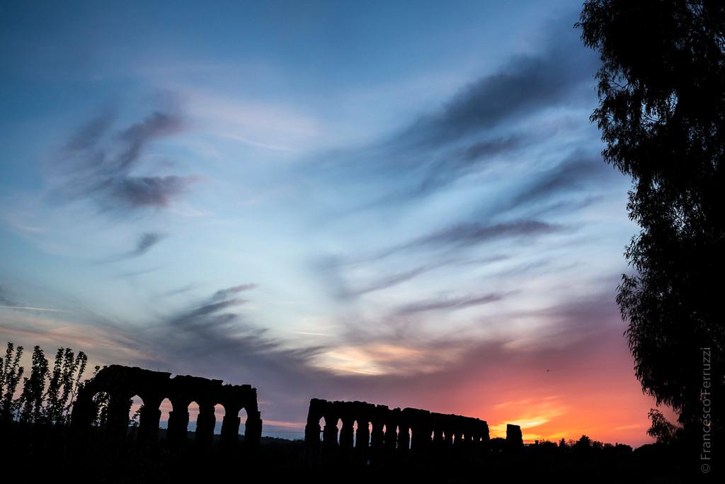 Roma: tramonto al parco degli acquedotti