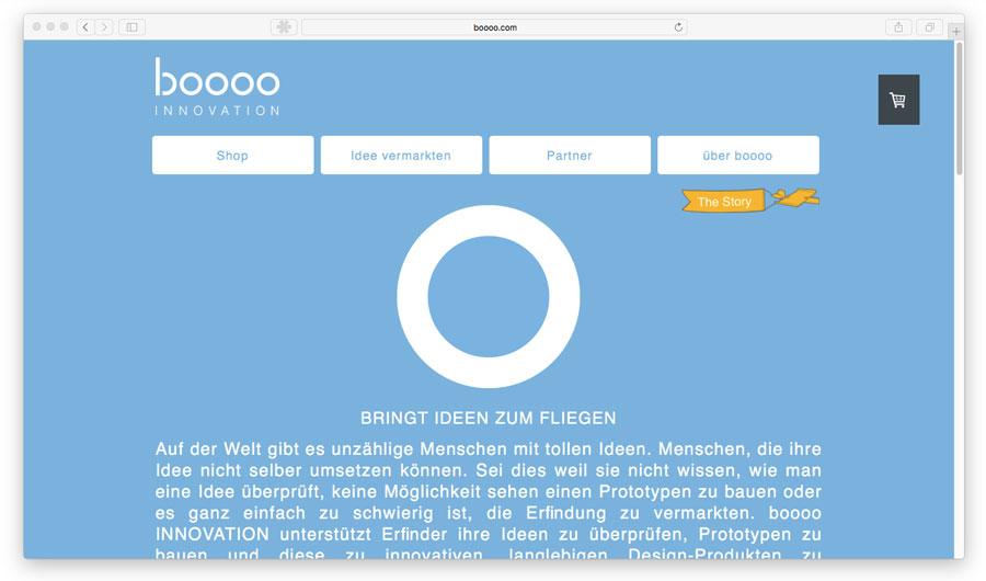 Combinación de tonalidades azules en una tienda online.