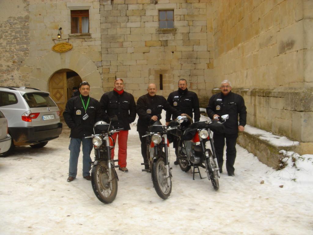 """El grupo en moto y """"sin cadenas"""""""