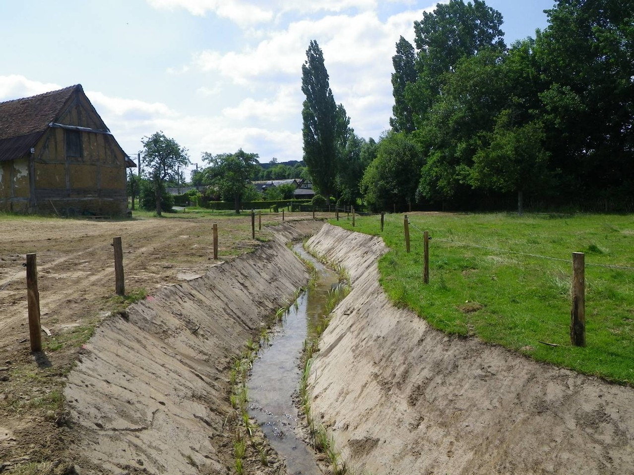 Clôture et plantation réalisées