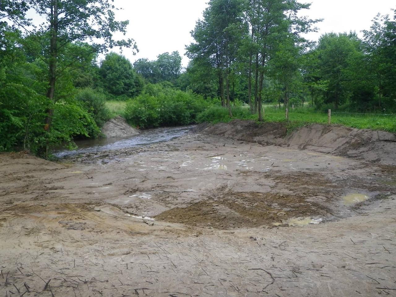 Comblement de l'emprise de l'ancien ouvrage et création d'une zone humide