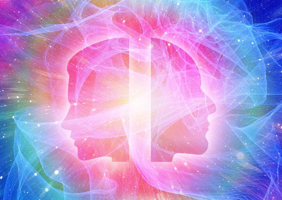 In einer Bewusstseinserweiterung tritt man ein in einen Zustand der Einheit, der Ewigkeit, der Verbundenheit, der gesteigerten Bewusstheit und der reinen Liebe des Universums.