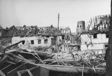 Das bombardierte Attendorn im Jahr 1945