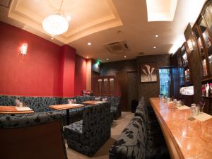 Lounge 大華  (ラウンジ タイカ)  カウンター席・ボックス席写真画像 TEL089-932-8003   〒790-0002 愛媛県松山市二番町1-4-9 二番町cityビル3F